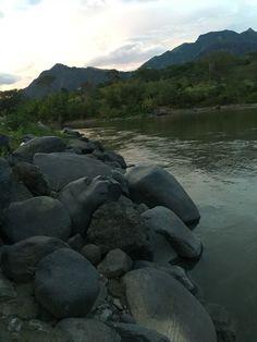 El rio Cauca , colombia