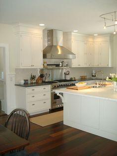 white-tile-backsplash-kitchen.jpg 768×1,024 pixels