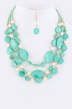 Mother of Pearl Maggie Necklace in Mint