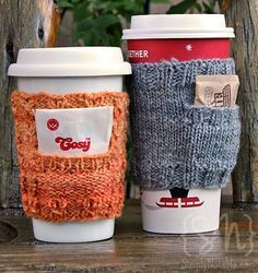 Free pattern for a coffee cozy that also includes a pocket to hold sugar packets or an extra tea bag.  Clever! #knitting #pattern