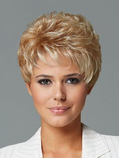 """The short cut called """"pixie cut"""" is more and more popular among people and the street. To know everything about this trendy haircut, we asked Patrick Lagré, artistic director of the Toni & Guy hair salons . Pixie Hairstyles, Pixie Haircut, Short Hairstyles For Women, Weave Hairstyles, Undercut Pixie, Trendy Haircuts, Black Hairstyles, Short Brown Hair, Short Hair Cuts"""