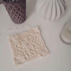 my first Daisy Granny  and twohundret are waitin' :D  hab es bei der lieben #pomponetti gesehen und mich verliebt  Danke für die Inspiration @pomponetti  #daisygrannysquare #365 #365tageprojekt #365daysproject #inlovewithcrochet #creme #crochetblanket #tiğişi #tigisi #virkkaus #kagibariami #hekle #thak #hackovanie #häkelliebe #inlovewiththisgrannysquare #daily #dailyproject #jahresprojekt2016 #365daysproject2016 #inspiration by korobaerlj
