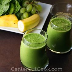 Green Smoothie Recipe - A simple recipe for a Green Smoothie that actually tastes good!