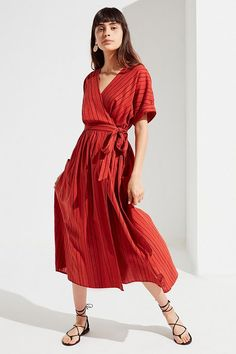 c5478f2a3e Slide View  1  UO Gabrielle Linen Midi Wrap Dress Urban Dresses