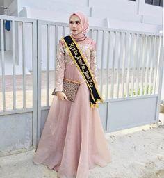Kebaya Muslim, Sari, Gowns, Abayas, Formal Dresses, Womens Fashion, Model, Ideas, Saree