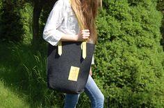 Felt vertical tote bag Casual bag Handbag shoulder by etoidesign, $50.00