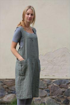 Este delantal de estilo japonés está hecho de 100% lino natural y producido y hecho a mano por Linencloud.  Delantal de lino lavado es un funcional y duradero. Un delantal tiene dos bolsillos laterales cómodos.  Este delantal es perfecto para la cocina, jardín, sala de arte o un regalo con estilo.  Otro detalle bonito uno para su vida diaria de lino. ;)  CARTA DEL TAMAÑO:  TAMAÑO XXS Busto: 80cm/31,5 cintura: 62cm/24,5 caderas: 86cm/35   TAMAÑO XS Busto: 84cm/33 cintura: 6...