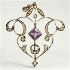 Antique Art Nouveau Amethyst and Pearl Lavaliere Pendant in 9k Gold