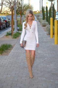 vestido casual branco com botas