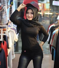 Hijab Pretty: Pretty Hijaber Cute in Love