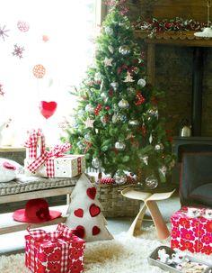 rustic tree, christmas, decorating, organizing, crafts