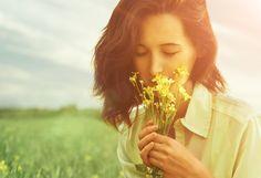 As flores deixam ambientes mais bonitos, trazem boas energias e espantam os maus fluídos. Escolha sua favorita e veja a diferença em sua casa ou trabalho. #eusemfronteiras #terapiasflorais