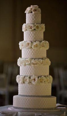 Wedding cake idea; Featured Photographer: David Wittig Photography  www.foreverly.de