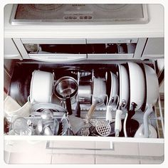 女性で、OtherのやっぱりSSS。/キッチン収納/無印良品/ニトリ/IHの下の引き出し/フライパン収納…などについてのインテリア実例を紹介。「フライパン、やっと縦収納にしました٩(๑❛ᴗ❛๑)۶」(この写真は 2014-03-26 13:58:05 に共有されました)