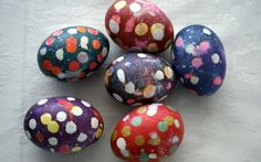 DIY Spotted Easter Eggs | Laura Wears...