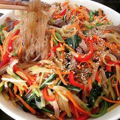 Today's main dinner <japchae> 仕事場のポットラックパーティに持ってった✌️#food#foods#instafood#instafoodie#foodpic#foodpics#foodporn#foodgram#foodstagram#noodle#japchae#korean#koreanfood#potluck#チャプチェ#韓国料理#ポットラック Yummery - best recipes. Follow Us! #foodporn