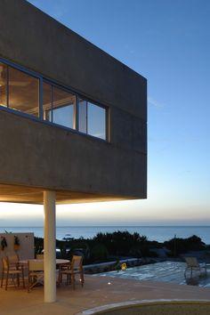 Siriki / Muñoz arquitectos