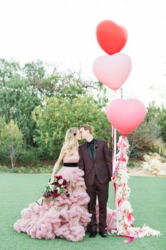 Valentine's Day wedding inspiration @ Los Robles Greens in Thousand Oaks- Outdoor Wedding Venue photo: Jenny Quicksall Heart Balloons