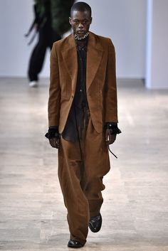 Ann Demeulemeester Fall 2017 Menswear Collection - Fashion Unfiltered