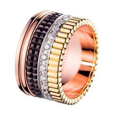 AVA: BRILLO DESLUMBRANTE DEL DIAMANTE. BOUCHERON Inspirado por la gracia atemporal Ava Gardner, la joya rinde homenaje a la piedra preciosa. El diamante, reforzada por un ambiente aireado, revela todo su brillo y chispa.