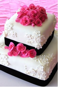 Even little cakes can be pretty