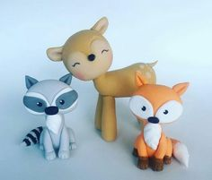 Animalitos del bosque. Clay Animals, Zoo Animals, Biscuit, Tree Stump Cake, Woodland Cake, Cake Templates, Fondant Tutorial, Forest Friends, Clay Crafts