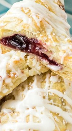 Cherry Peach Turnovers | Deliciously Sprinkled Best Breakfast Recipes, Breakfast Snacks, Breakfast Time, Pastry Recipes, Cooking Recipes, Peach Turnovers, Fruit Recipes, Dessert Recipes, Cherry Hand Pies