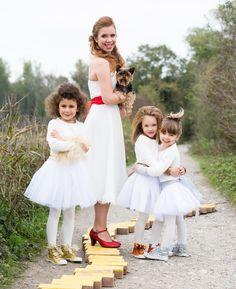 Sur le thème du magicien d'OZ, shooting Cécile Cayon. Chaussure de mariée Céline BUSSY modèle Marissol en pailleté rouge. www.chaussure-de-danse.com.