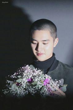 Bald Kyungsoo with flowers Kyungsoo, Chanyeol, Exo Ot12, Kaisoo, Heart Shaped Lips, Xiuchen, Exo Korean, Do Kyung Soo, Exo Members