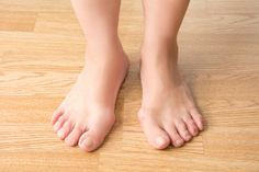 Bunion Exercises, Foot Exercises, How To Treat Bunions, Bunion Remedies, Get Rid Of Bunions, Sports Physical Therapy, Bunion Surgery, How To Cure Gout, Severe Back Pain