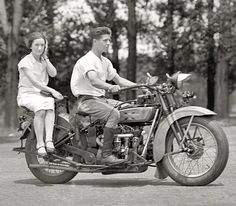 Sidesaddle: 1929 [detail] | Shorpy Historical Photo Archive)