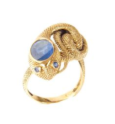 Rêvantic ring with sapphire.