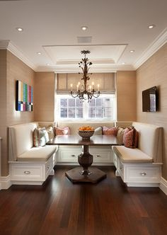 Traditional Dining Design Ideas, Pictures, Remodel and Decor Booth Seating In Kitchen, Kitchen Booths, Kitchen Benches, Built In Dining Room Seating, Dining Room Banquette, Dining Area, Dining Corner, Dining Table, Banquettes