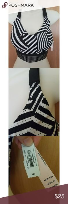 Victoria secret sport bra New with tags Womens size 36C Black and white sport bra with cute band No trades Most offers will be considered  Bundle and save Victoria's Secret Intimates & Sleepwear Bras