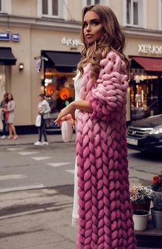 Chunky knit cardigan for woman.Oversized knit pink sweater with Free delivery Shop with stunning warm wool knitted cardigan. Cardigan for stylish girls. Knit Fashion, Sweater Fashion, Look Fashion, Fashion Design, Fall Fashion, Fashion Tips, Sweater Coats, Pink Sweater, Sweaters