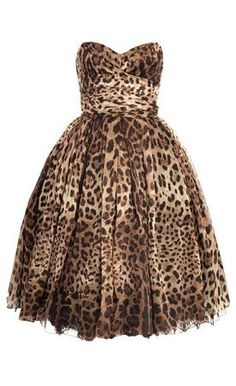 Dolce & Gabanna leopard sweetheart dress. Want this sooooo bad. Beautiful.