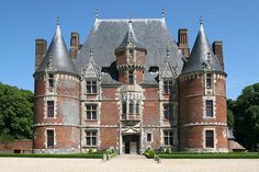 Château de Martainville    Discover French castles for your event with #LOUIS event - www.louis-event.com