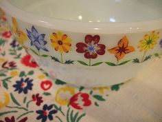 Vintage floral mixing bowls
