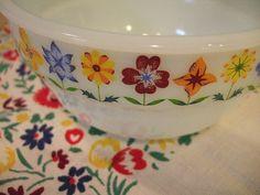 Vintage floral mixing bowls