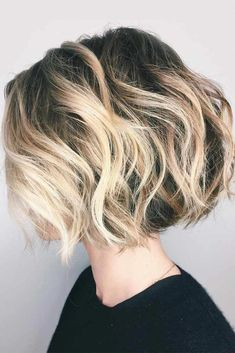 Messy Wavy Blonde Sweeping Bob , Messy Wavy Blonde Balayage Bob , Hairstyles Source by JMHermann Choppy Bob Hairstyles, Thin Hair Haircuts, Short Hair Cuts, Straight Hairstyles, Quick Hairstyles, Bob Haircuts, Haircut Bob, Short Summer Hairstyles, Layered Hairstyle