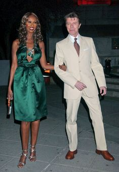 David Bowie all Casual-Like in Australia in 2004 - In Honor of David Bowie's New Single - 20 Great Bowie Photos - StyleBistro