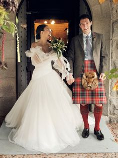 How This Bride Planned Her Own Micro-Wedding in the Scottish Highlands | Vogue