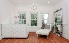 You Can't Look at Elisabeth Hasselbeck's $4.5 Million Mansion Without Feeling Cheery