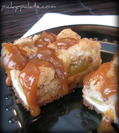 OMG these are the best caramel apple cream cheese bars. A little cheesecake deliciousness with apple pie yumminess, topped with caramel. Cream Cheese Bars, Cream Cheese Cookies, Cookies Et Biscuits, Apple Recipes, Cookie Recipes, Dessert Recipes, Sweet Recipes, Just Desserts, Delicious Desserts
