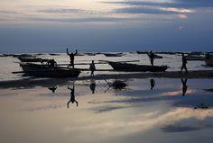 Des pêcheurs sur le lac Tanganyika (Burundi)   REUTERS/Goran Tomasevic