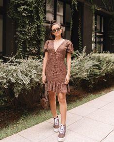 Vestido para trabalhar: 30 inspirações que vão te deixar radiante Aimee Song, You Look Beautiful, Work Looks, Everyday Look, 30th, Casual, Ideias Fashion, Summer, Short Sleeve Dresses