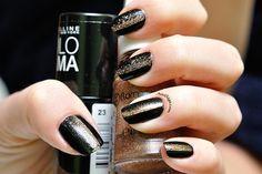 Black and gold nail design Latest Nail Designs, Gold Nail Designs, Gold Nails, Saga, Black, Black People, Gold Nail, Golden Nails
