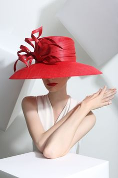 Philip Treacy Spring-Summer 2015 OC-926 (=)