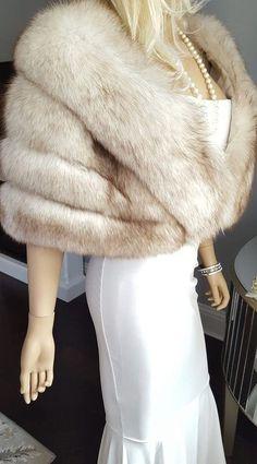 Luxury Vintage Fox Fur Stole Bridal Shawl Wrap Norwegian image 4 Vintage Fur, Vintage Bridal, Vintage Winter, Capes, White Bridal, Wedding White, Luxury Wedding, Winter Wedding Fur, Bridal Shrug