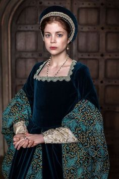 Tudor Dress, The White Princess, White Queen, Tudor Fashion, Catherine Of Aragon, Tudor Era, Period Costumes, Historical Costume, Narnia